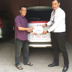 Foto Penyerahan Unit 1 Sales Marketing Mobil Dealer Honda Pondok Indah Adi