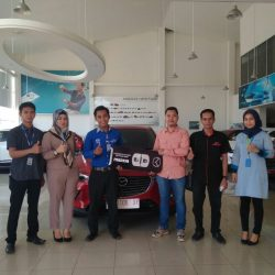 Foto Penyerahan Unit 1 Sales Marketing Mobil Dealer Mazda Makassar Zaky