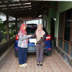 Foto Penyerahan Unit 1 Sales Marketing Mobil Dealer Suzuki Refni