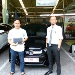 Foto Penyerahan Unit 10 Sales Marketing Mobil Dealer Honda Solo Wahyu