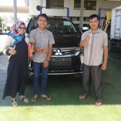 Foto Penyerahan Unit 11 Sales Marketing Mobil Dealer Mitsubishi Padang Tommy