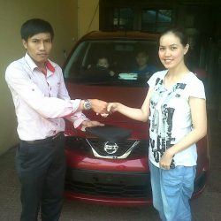 Foto Penyerahan Unit 11 Sales Marketing Mobil Dealer Nissan Cibubur Sapta