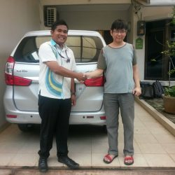 Foto Penyerahan Unit 12 Sales Marketing Mobil Dealer Daihatsu Tryastono