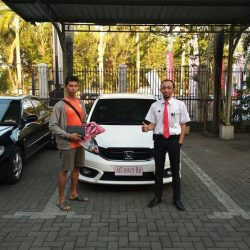 Foto Penyerahan Unit 14 Sales Marketing Mobil Dealer Honda Solo Wahyu