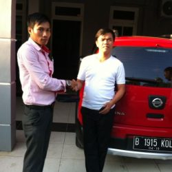 Foto Penyerahan Unit 15 Sales Marketing Mobil Dealer Nissan Cibubur Sapta