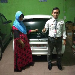 Foto Penyerahan Unit 2 Sales Marketing Mobil Dealer Honda Tuban Alib
