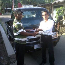 foto-penyerahan-unit-2-sales-marketing-mobil-dealer-mitsubishi-surabaya-syaifudin