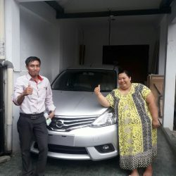 Foto Penyerahan Unit 2 Sales Marketing Mobil Dealer Nissan Cibubur Sapta