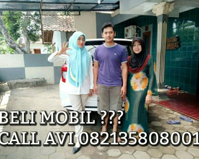 foto-penyerahan-unit-3-sales-marketing-mobil-dealer-daihatsu-salatiga-avi