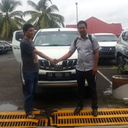 Foto Penyerahan Unit 3 Sales Marketing Mobil Dealer Mitsubishi Banjarmasin Irul
