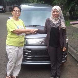 Foto Penyerahan Unit 3 Sales Marketing Mobil Dealer Suzuki Refni