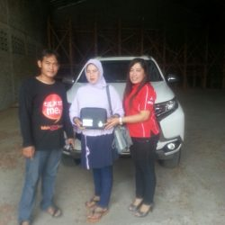 Foto Penyerahan Unit 4 Sales Marketing Mobil Dealer Mitsubishi Madiun Kunti