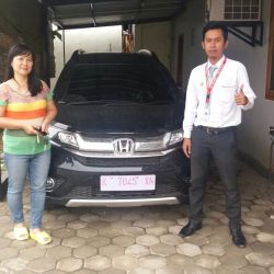 Foto Penyerahan Unit 4 Sales Marketing Mobil Dealer Mobil Honda Kudus Asif
