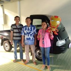 Foto Penyerahan Unit 4 Sales Marketing Mobil Dealer Suzuki Indramayu Dewi