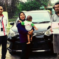Foto Penyerahan Unit 4 Sales Marketing Mobil Dealer Toyota Serang Sulton