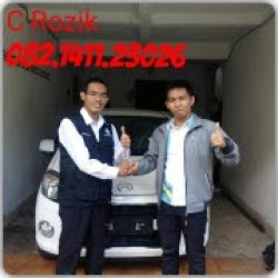 Foto Penyerahan Unit 5 Sales Marketing Mobil Dealer Daihatsu Rozik