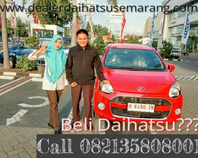 foto-penyerahan-unit-5-sales-marketing-mobil-dealer-daihatsu-salatiga-avi
