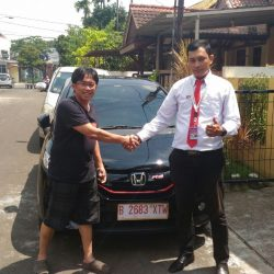 Foto Penyerahan Unit 5 Sales Marketing Mobil Dealer Honda Pondok Indah Adi
