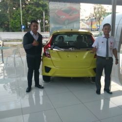 Foto Penyerahan Unit 5 Sales Marketing Mobil Dealer Honda Tuban Alib