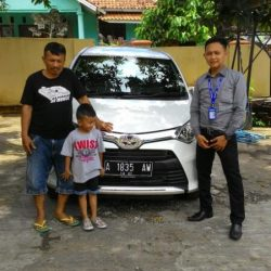 Foto Penyerahan Unit 5 Sales Marketing Mobil Dealer Toyota Serang Sulton