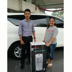Foto Penyerahan Unit 6 Sales Mareting Mobil Dealer Toyota Ody
