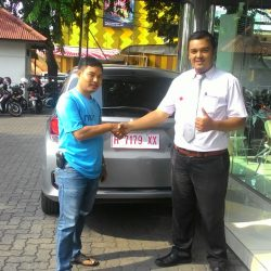 Foto Penyerahan Unit 6 Sales Marketing Mobil Dealer Honda Semarang Pungky