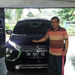 Foto Penyerahan Unit 6 Sales Marketing Mobil Dealer Mitsubishi Satrio
