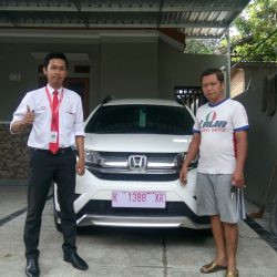 Foto Penyerahan Unit 6 Sales Marketing Mobil Dealer Mobil Honda Kudus Asif