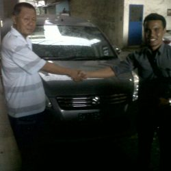 Foto Penyerahan Unit 6 Sales Marketing Mobil Dealer Suzuki Medan Leonard