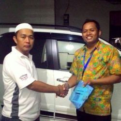 Foto Penyerahan Unit 6 Sales Marketing Mobil Dealer Toyota Endro