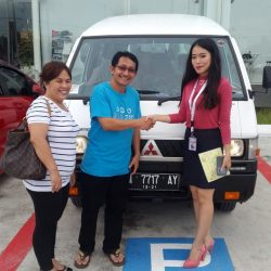 Foto Penyerahan Unit 7 Sales Marketing Mitsubishi Pekanbaru Izumi