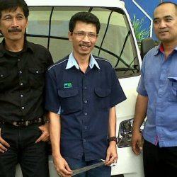 Foto Penyerahan Unit 7 Sales Marketing Mobil Dealer Daihatsu Cirebon Harry