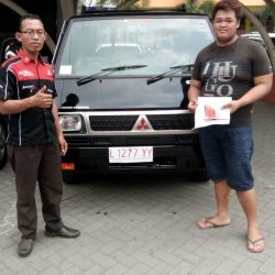 foto-penyerahan-unit-7-sales-marketing-mobil-dealer-mitsubishi-surabaya-syaifudin