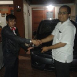 Foto Penyerahan Unit 7 Sales Marketing Mobil Dealer Nissan Cibubur Sapta