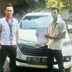 Foto Penyerahan Unit 7 Sales Marketing Mobil Dealer Toyota Serang Sulton
