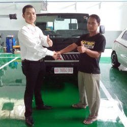 Foto Penyerahan Unit 8 Sales Marketing Mobil Dealer Mitsubishi Solo Agus