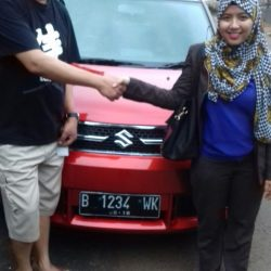 Foto Penyerahan Unit 8 Sales Marketing Mobil Dealer Suzuki Refni