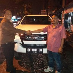 Foto Penyerahan Unit 8 Sales Marketing Mobil Dealer Toyota Jefri