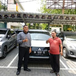 Foto Penyerahan Unit 9 Sales Marketing Mobil Dealer Mitsubishi Satrio