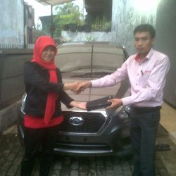 Foto Penyerahan Unit 9 Sales Marketing Mobil Dealer Nissan Cibubur Sapta