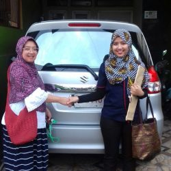 Foto Penyerahan Unit 9 Sales Marketing Mobil Dealer Suzuki Refni
