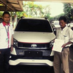Foto Penyerahan Unit 9 Sales Marketing Mobil Dealer Toyota Serang Sulton
