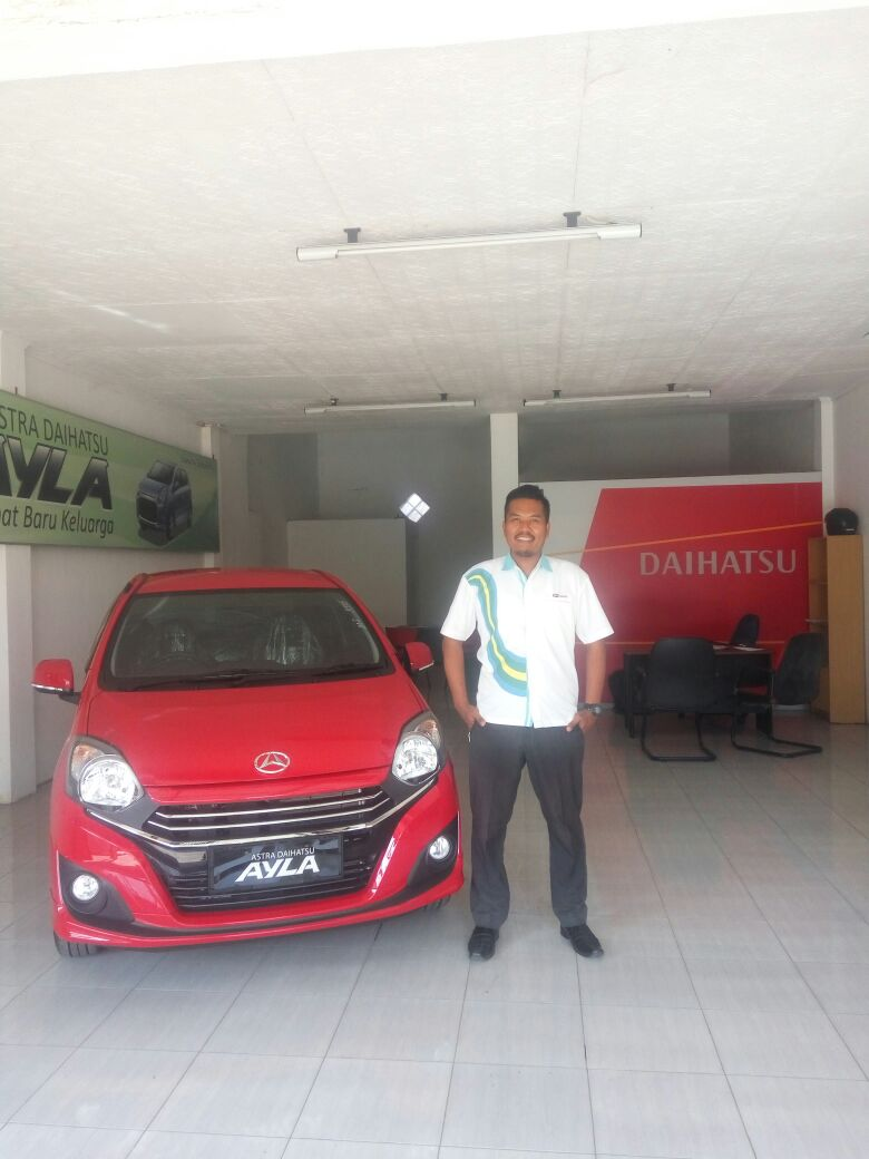 Sales Marketing Mobil Dealer Daihatsu Agung