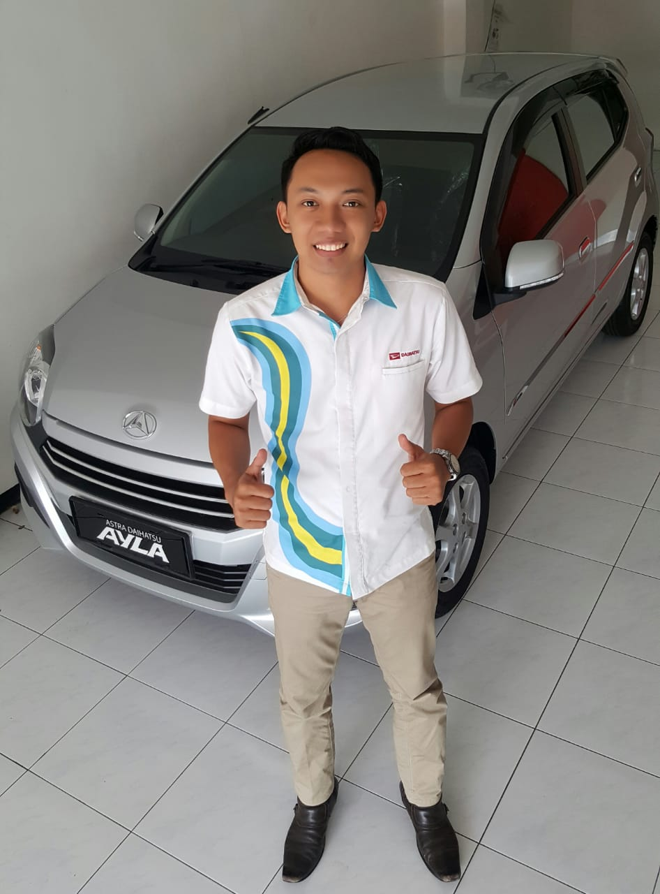 Sales Marketing Mobil Dealer Daihatsu Deddy