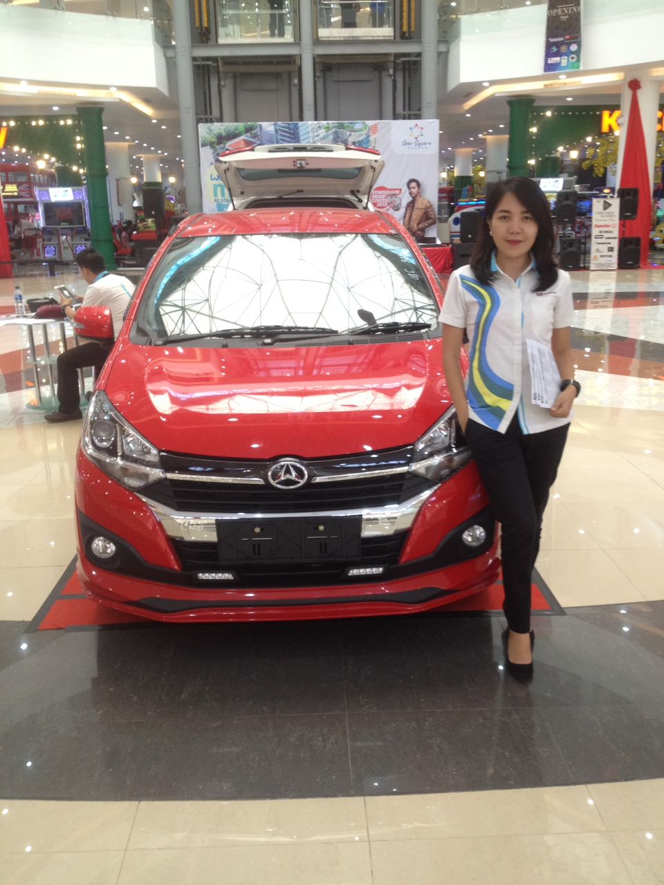 Sales Marketing Mobil Dealer Daihatsu Manado Diona