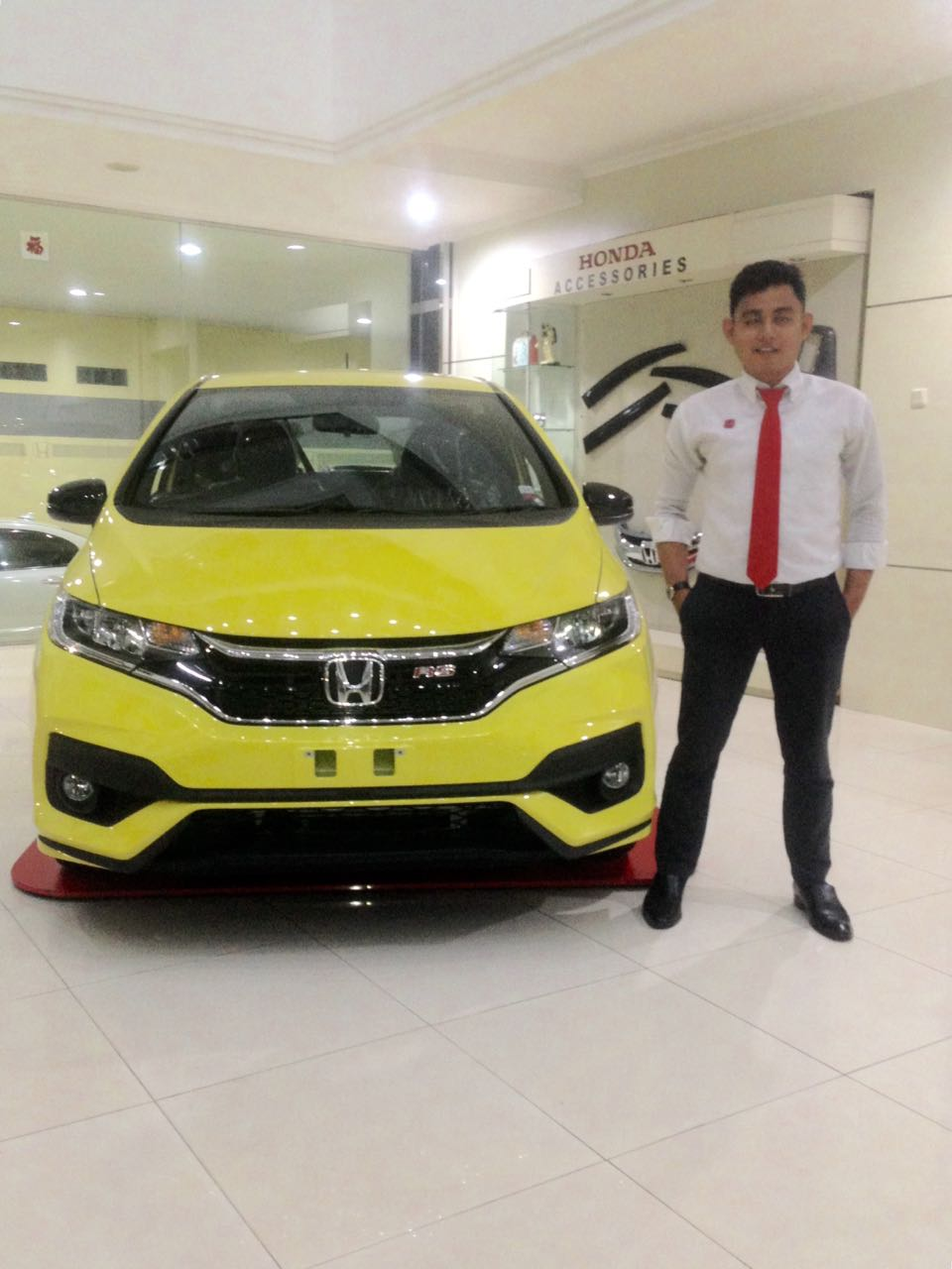 Sales Marketing Mobil Dealer Honda Banjarmasin Ibnu