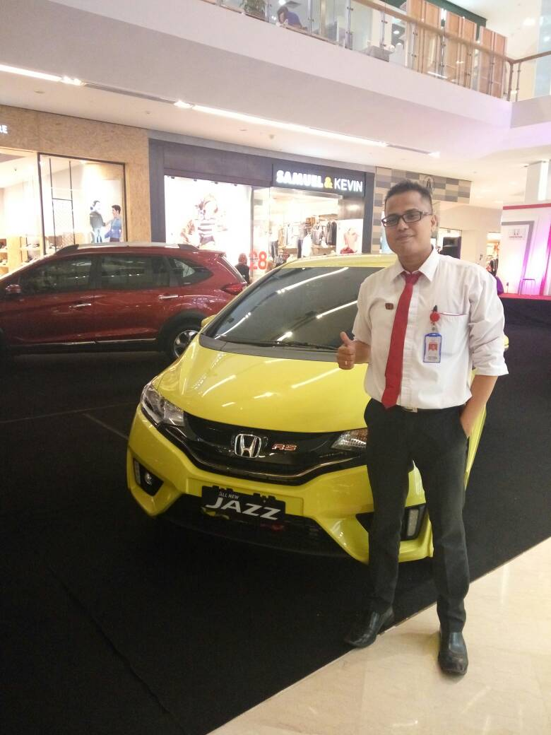 Sales Marketing Mobil Dealer Honda Solo Ridwan