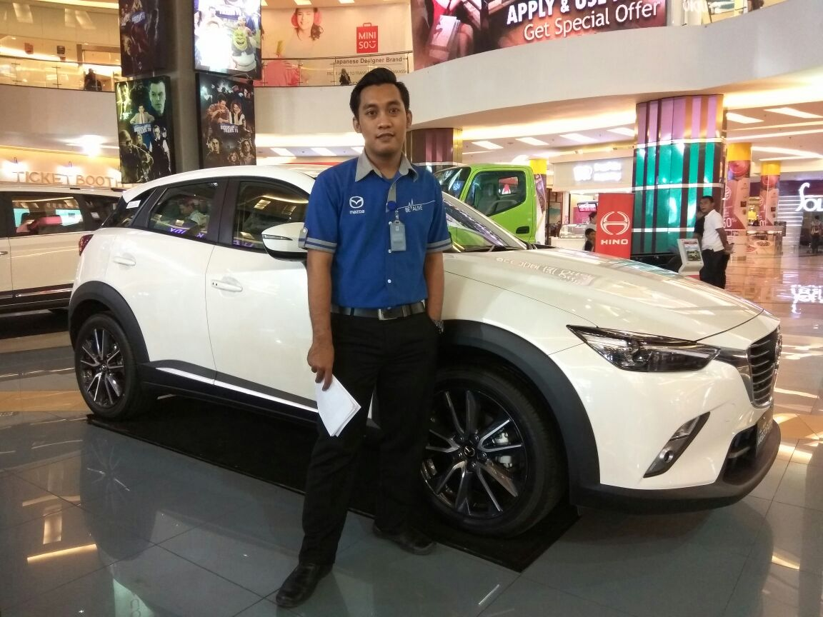 Sales Marketing Mobil Dealer Mazda Makassar Zaky