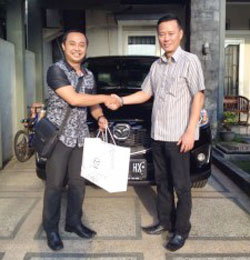 sales-marketing-mobil-dealer-mazda-malang-ari