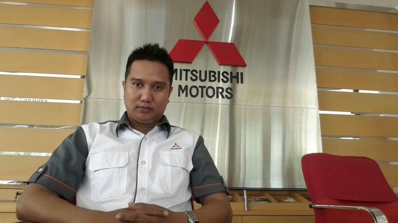 Sales Marketing Mobil Dealer Mitsubishi Banjarmasin Irul